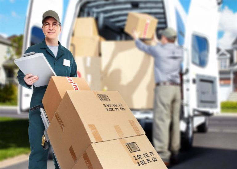 Know the reasons for hiring storage and moving services